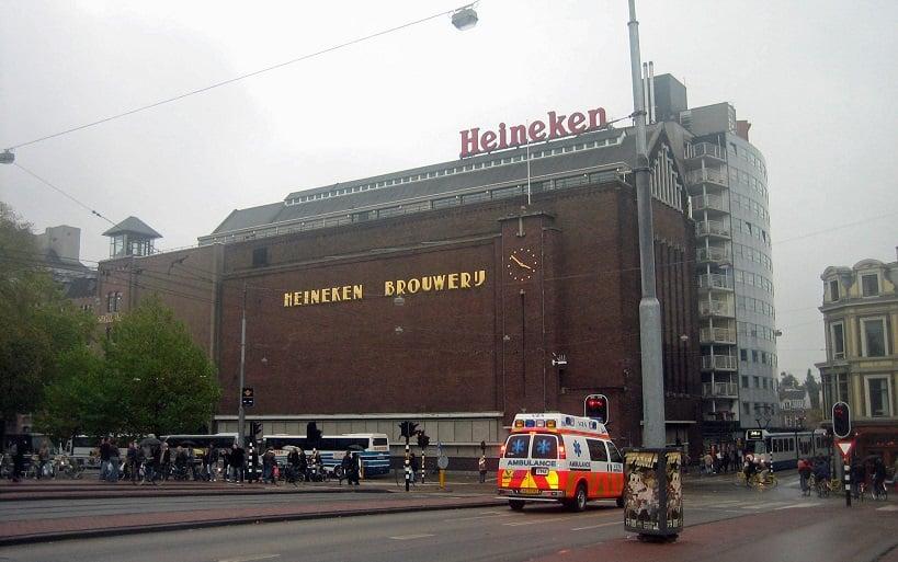 Fachada da Heineken Experience em Amsterdã