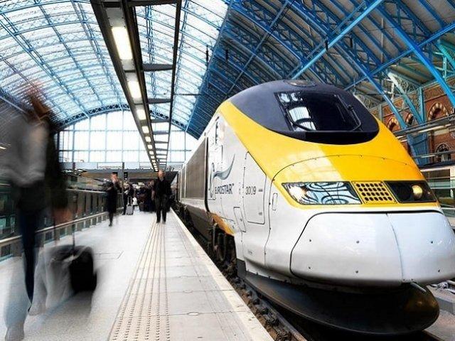 Viagem de trem de Amsterdã à Roterdã