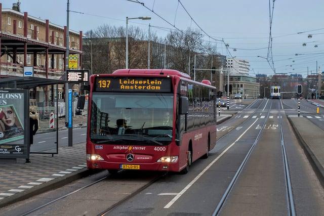 Como ir do aeroporto de Amsterdã até o centro turístico