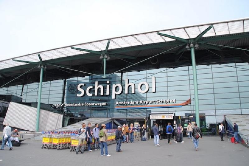 Quanto custa uma passagem aérea para Amsterdã?