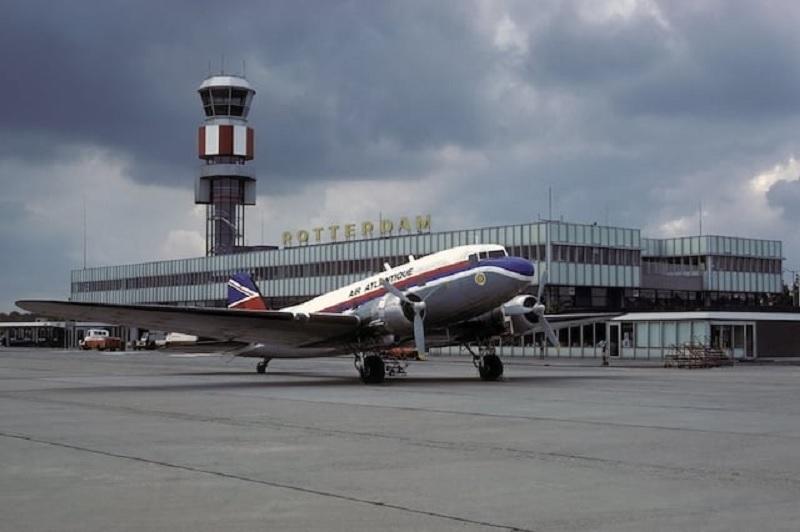 Tempo de avião até Roterdã
