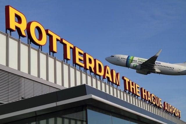 Como ir do aeroporto de Roterdã até o centro turístico