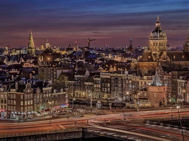 Remessas internacionais para Amsterdã